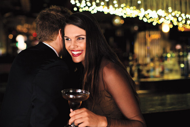 Un cocktail avec votre escort boy