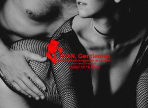Le massage naturiste avec un escort hétéro à Paris