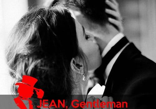 Dans les bras de son gentleman escort boy
